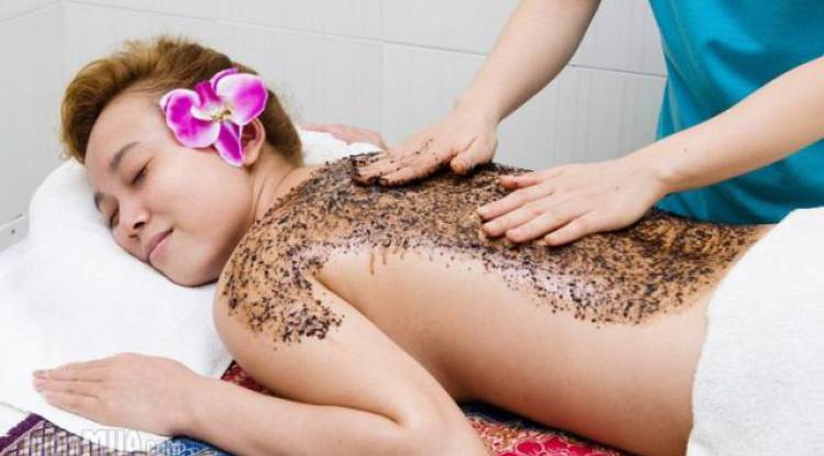 Body Polishing or Body Scrub and Wrap
