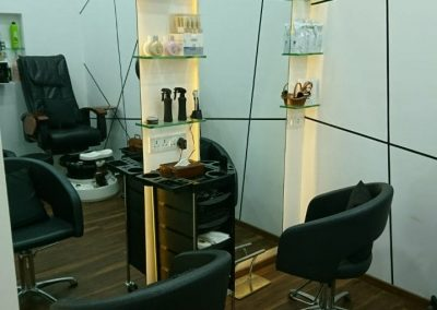 Best Hair Salon in Thane- White N Bright Spa & Salon